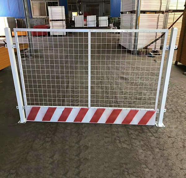 定型化安全防护栏
